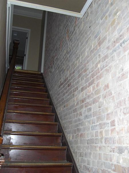 408 N Walnut St - 1 - Unit B.stairs
