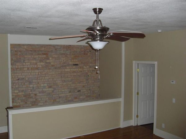 408 N Walnut St - 2 - Unit B.wall