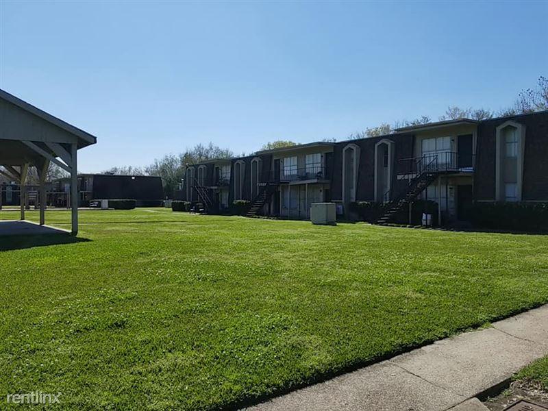 Oakwood Village Apartments - 18 - 87988256_3774935265865082_7774957091520774144_n