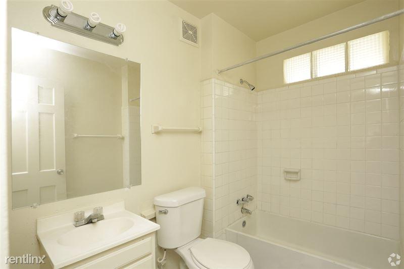 Lawndale Village Apartments - 2 - lawndale-village-apts-houston-tx-interior-photo8