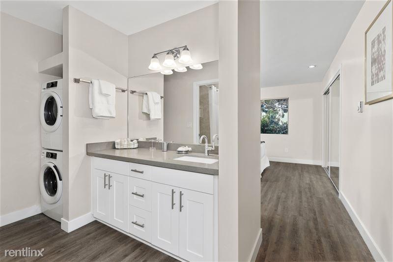 Parkway Terrace Apartments - 2 - DSC06088