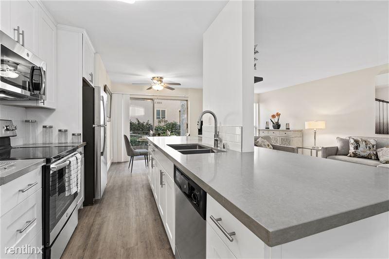 Parkway Terrace Apartments - 3 - DSC06124