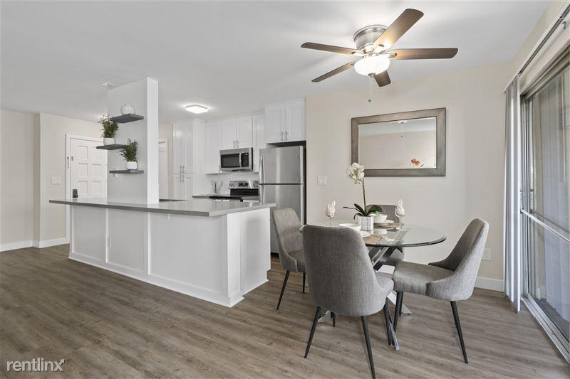 Parkway Terrace Apartments - 4 - DSC06043