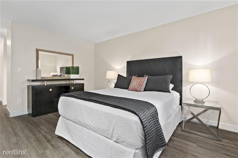 Parkway Terrace Apartments - 5 - DSC06107 (1)
