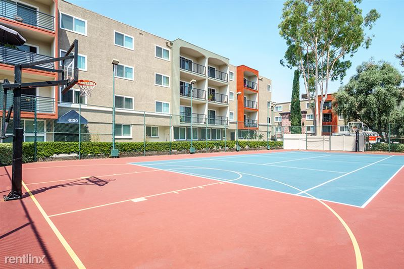 The Reserve at Warner Center - 1 - Basketball Court resized