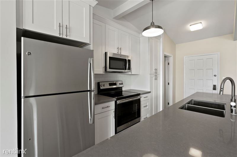 Parkway Terrace Apartments - 1 - DSC04636 (2)