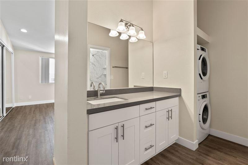 Parkway Terrace Apartments - 2 - DSC04603 (1)