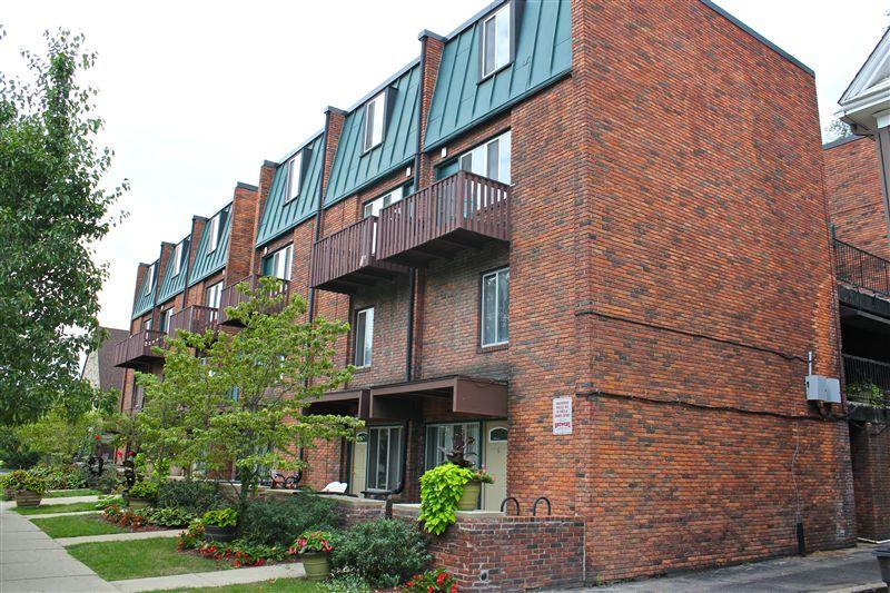 Carriage House Apartments  Washtenaw Ct Ann Arbor MI CMB - Carriage house apartment
