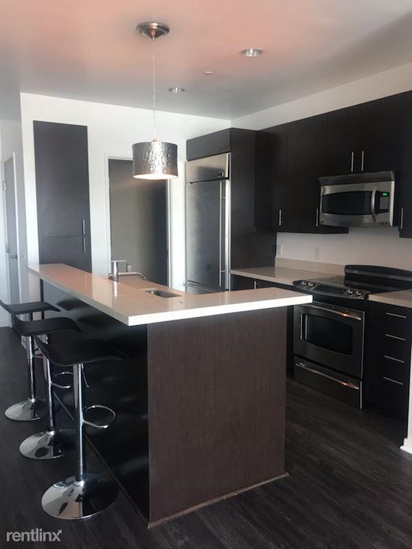 Blu Beverly Hills - 6 - 1002 Kitchen