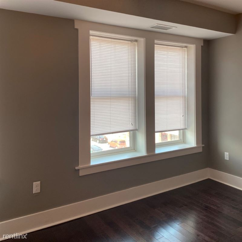 Rainer Court Apartments - 3 - living room