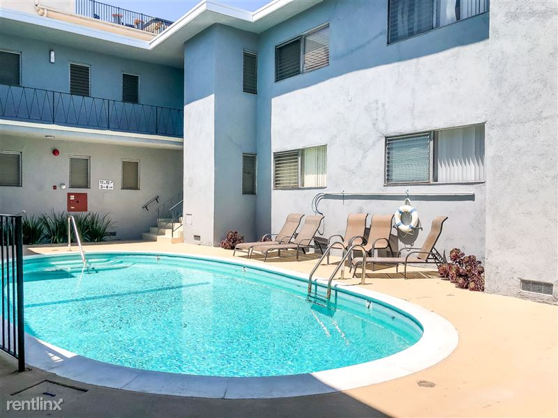 Pelham Plaza - 9 - Pelham Pool v5