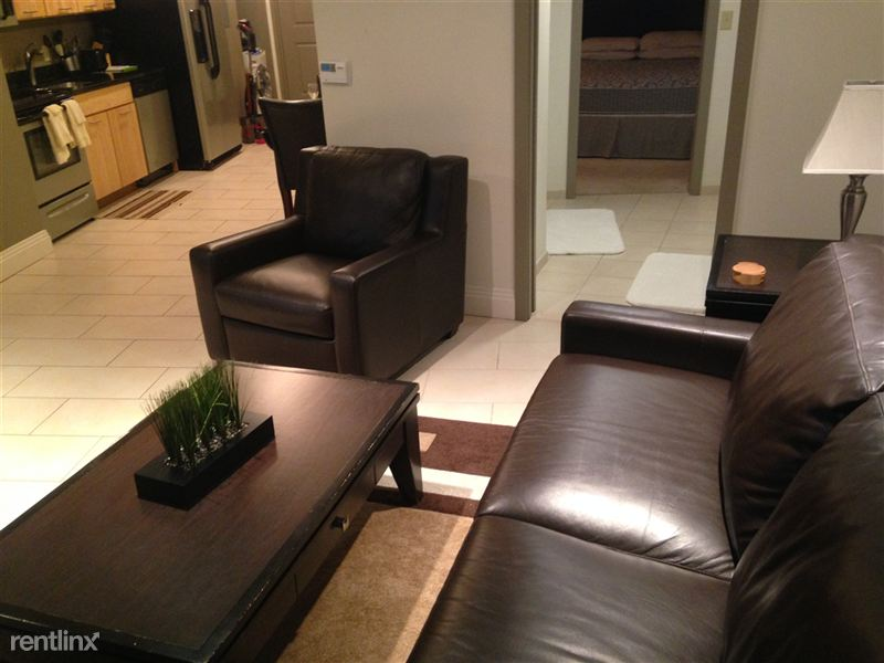 2102 - Actual suite and furniture