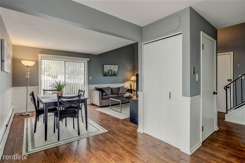 Furnished Suites in Royal Oak - 4 - Dining from Kitchen