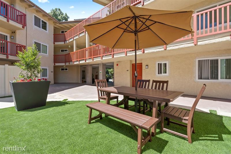 Parkway Terrace Apartments - 6 - DSC04848Web