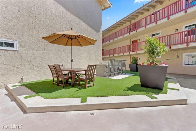 Parkway Terrace Apartments - 7 - DSC04851Web