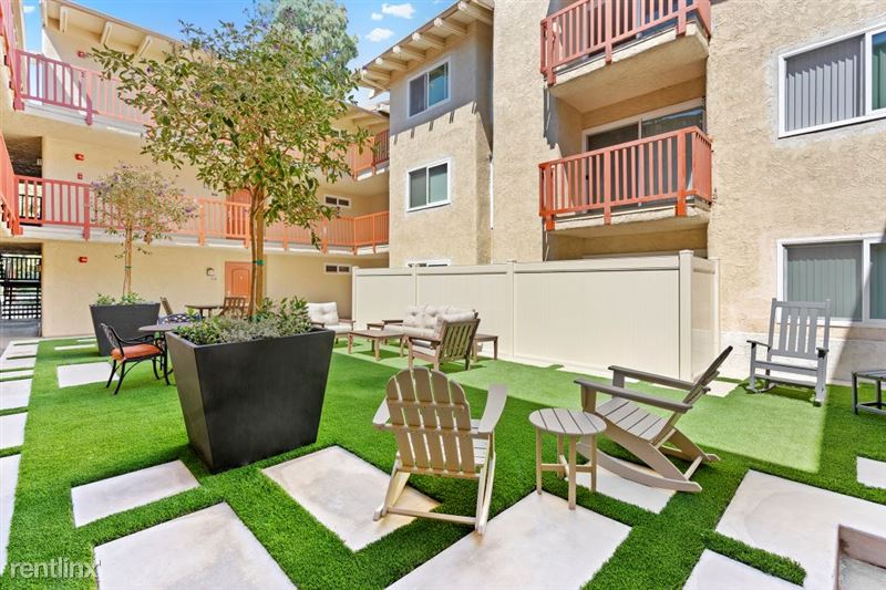 Parkway Terrace Apartments - 8 - DSC04891Web