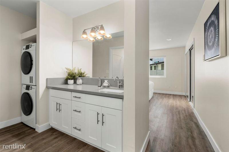 Parkway Terrace Apartments - 11 - DSC04924Web
