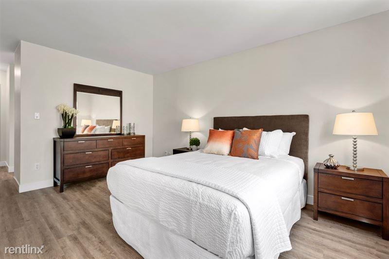 Parkway Terrace Apartments - 13 - DSC04932Web