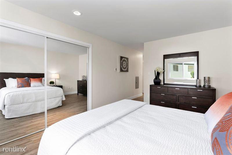 Parkway Terrace Apartments - 14 - DSC04938Web