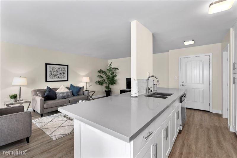 Parkway Terrace Apartments - 25 - DSC04964Web