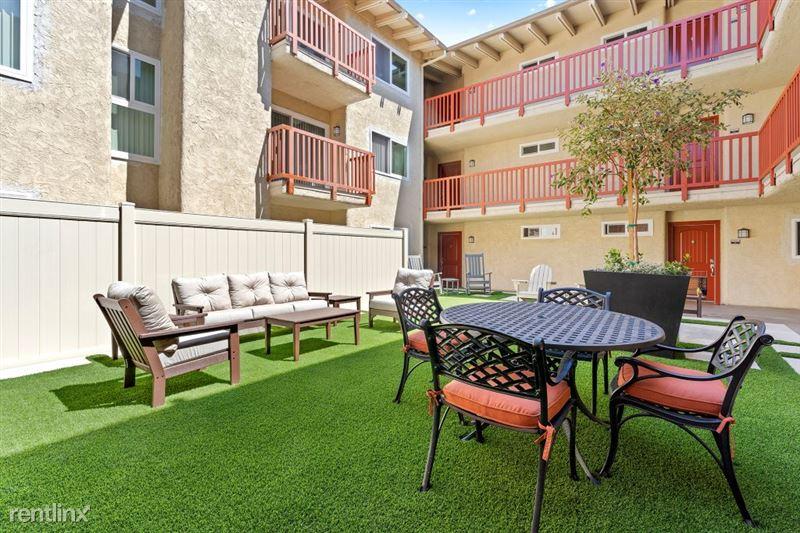Parkway Terrace Apartments - 11 - DSC04877Web