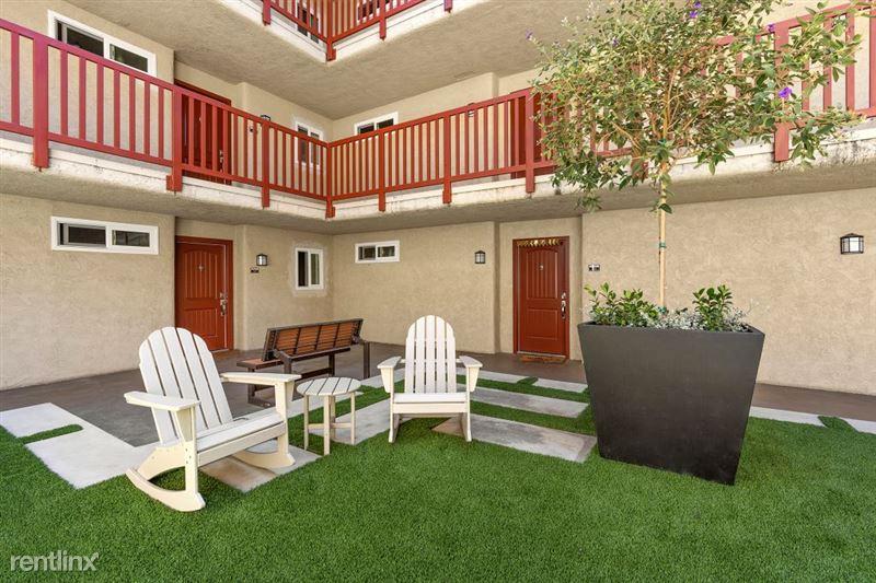 Parkway Terrace Apartments - 12 - DSC04898Web