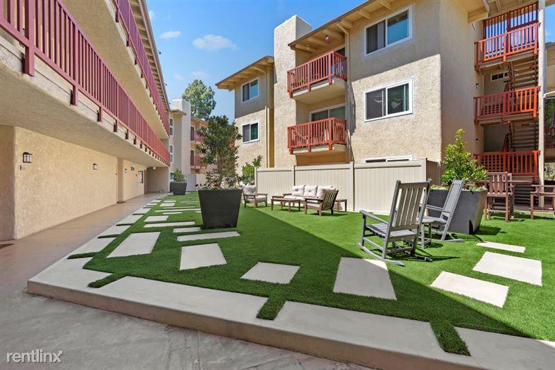 Parkway Terrace Apartments - 14 - DSC04827Web