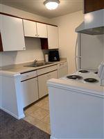 Knob Hill Apartments - 9 -
