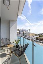 Blu Beverly Hills - 10 - 05 Living room patio