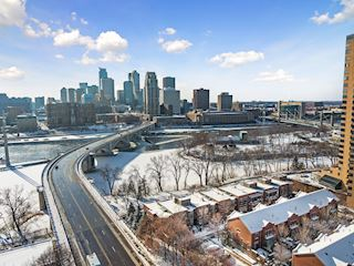 Stunning panoramic views of the full Minneapolis skyline & the Mississippi river.