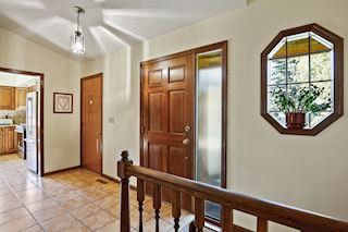 Nice sized foyer with coat closet-
