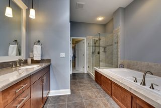 Large soaking tub and large walk-in shower with dual shower heads