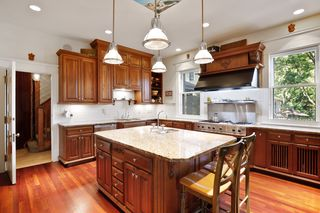 Gorgeous Gourmet Kitchen with Professional stove & hood - Main Level
