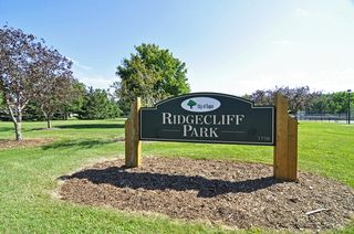Ridgecliff is one of many nearby parks, including Lebanon Hills Regional Park, for hiking, biking and cross country skiing!