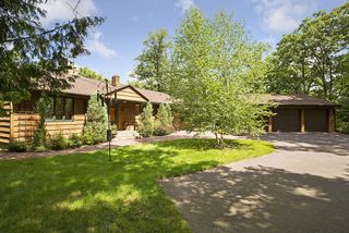 WELCOME TO THIS LOVELY CUSTOM BUILT HOME SITUATED 110 ACRES OVERLOOKING THE RIVER