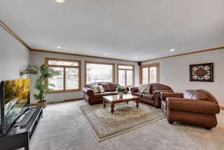 great sized family room....with sliders to the party-sized deck!