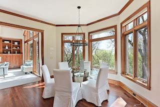 Informal dining - treetop views