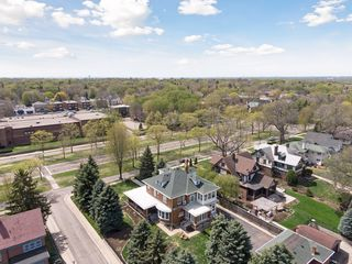 Located half way between Snelling and Fairview! there is a frontage road in front of the house with 2 boulevards
