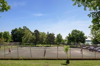 Tennis courts at Beards Plaisance