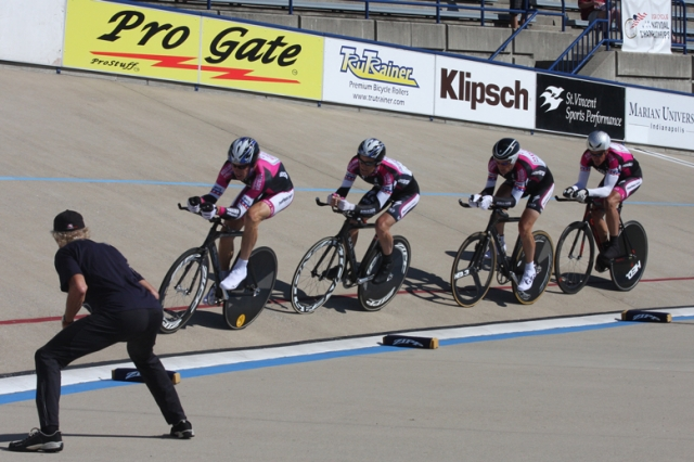 The Boulder Orthopedics team gets their time splits en route to a men's 55+ team pursuit victory. The team would go on to win the best all-around team at this year's even