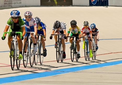 Riders in the 10-12 age group started their racing off on Friday with the scratch race. Photo by Todd Leister/Leister Images