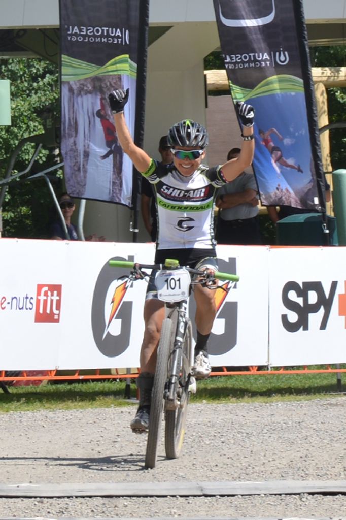Pua wins again in the pro women's race!