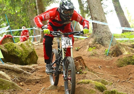 Shaw takes 3rd in juniors downhill at Val di Sole MTB World Cup