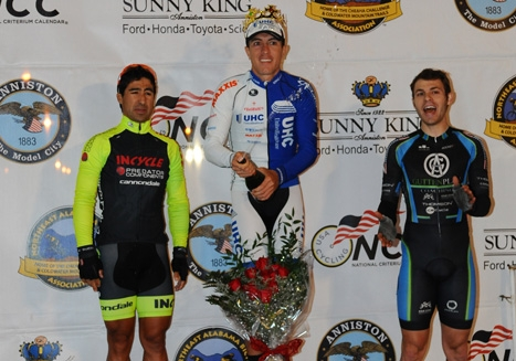 Carlos Alzate won the Sunny King Criterium