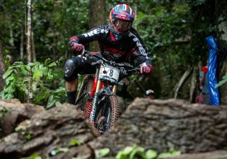 Neko Mulally fourth in elite downhill as top American on last day of MTB Worlds