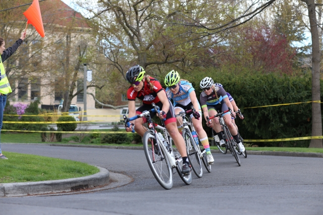 Rosalyn Rombauer of WSU leads the women through the criterium course during the sixth week of the NWCCC (Photo Credit: Lucas Sokolsky).