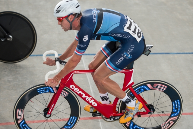 Defending omnium champion Bobby Lea placed third in the omnium scratch race at the 2014 USA Cycling Elite Track Nationals in Rock Hill, S.C.