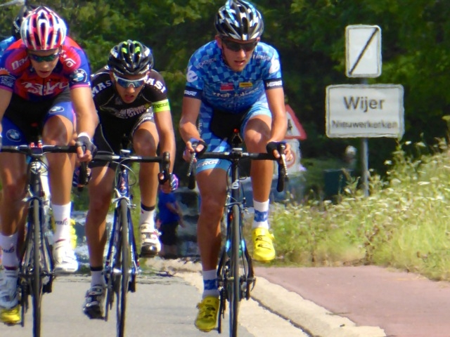 Jack Maddux and Eric Oien in the break at Wijer.