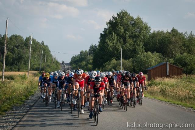 Zeke Mostov leads the pack at the Tour de l'Abitibi Desjardins.