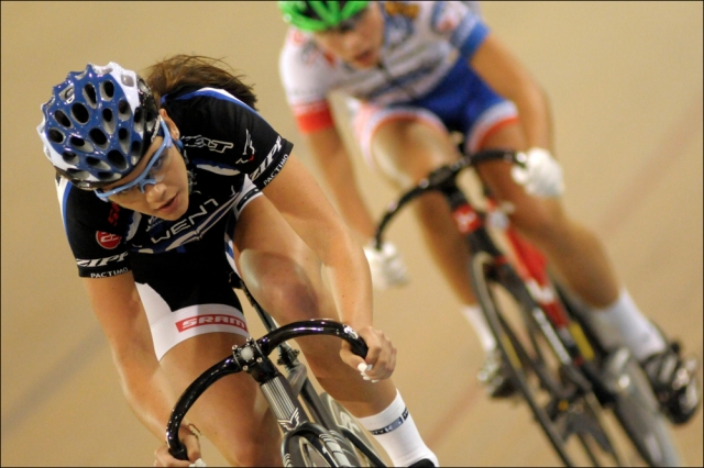 Summer Moak wins the women's 15-16 women's scratch race on Day 2.